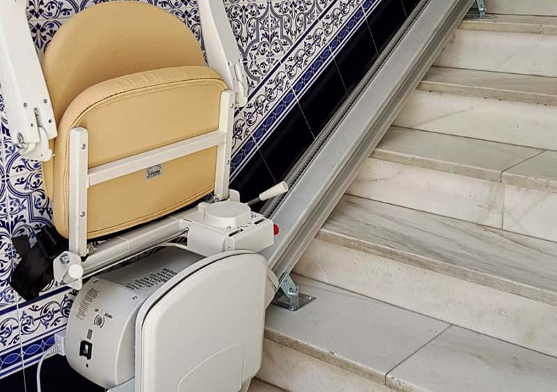 Silla elevadora para escalera recta instalada en almorad alicante - Silla elevadora para escaleras ...