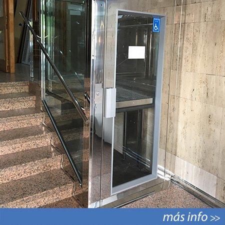 Elevador vertical de corto recorrido instalado en Murcia